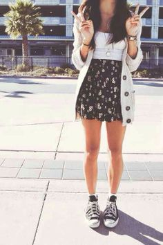 Like the outfit, but converse not so Much with this style. Maybe a short boot