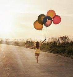 ** no obligues a nadie a quererte , mejor obliga los a irse , quien insista  en quedarse es quien realmente te quiere . Siempre seremos para alguien la persona correcta que conocieron en el momento equivocado .Cuando estas arriba tus amigos saben quien eres , cuando están abajo tu sabes quienes son tus amigos .la vida tiene 4 sentidos  amar, sufrir , luchar y ganar . El que ama  sufre, el que sufre lucha y el que lucha gana..
