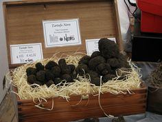 Tartufesta (Savigno) by @sybelle, via Flickr Stuffed Mushrooms, Vegetables, Food, Stuff Mushrooms, Veggies, Vegetable Recipes, Meals, Yemek, Eten