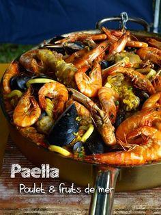 Paella espagnole au poulet et aux fruits de mer Spanish Paella, Confort Food, Shrimp Dishes, International Recipes, Main Meals, Seafood Recipes, Healthy Dinner Recipes, Crockpot Recipes, Pasta