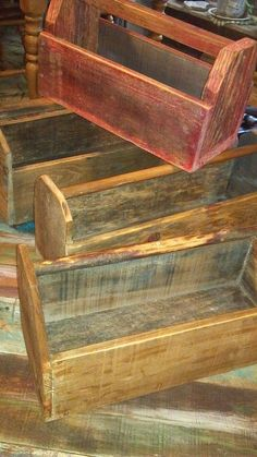 All made with pallet wood! Wood Totes!