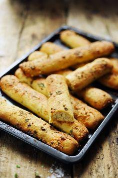 P'tits pains à l'ail et aux herbes…