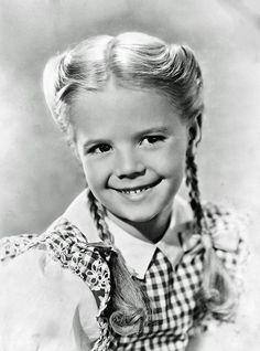 Beautiful little Natalie Wood