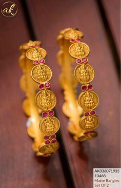 Indian Wedding Jewelry, Bridal Jewelry, Indian Jewelry, Gold Bangles Design, Jewelry Design, Gold Temple Jewellery, Gold Jewelry, Jewelry Necklaces, Kundan Bangles