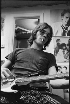 Ron Asheton, Ann Arbor, Recording at Stooge Hall, MI in 1969 You are in the right place about Musical Band rock Here we offer you the most beautiful pictures about the Musical Band room you are lookin Rock Band Photos, Rock Bands, Band Rooms, Iggy And The Stooges, John Lennon Yoko Ono, Classic Rock And Roll, Band Wallpapers, Iggy Pop, Pop Rock