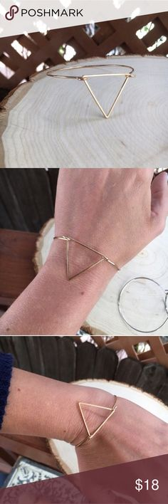Wild Triangle Dainty Cuff Bracelet Brand new boutique item! One Size Fits Most. Perfectly on trend, and so hot right now. Dainty, minimalist, simple, and so on point. Geometric minimalism at its finest! Gold tone, alloy free. Offers warmly welcomed! wildarrow Jewelry Bracelets