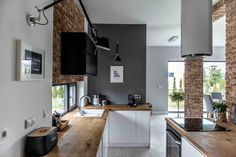 Modern L-shaped kitchen and dining area in grayscale - Kitchen Decor Modern Home Interior Design, Kitchen Interior, Kitchen Dinning, Kitchen Decor, Kitchen Sink, Wooden Kitchen, Dining Area, Building A Kitchen, Sweet Home