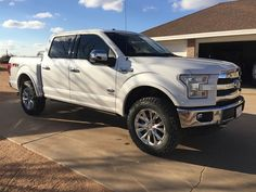 2015 - Present Ford - Show me your Leveled trucks with OEM rims! - I would love to see all your leveled trucks with OEM rims! Chevy Trucks, Ford Pickup Trucks, 4x4 Trucks, Car Ford, Diesel Trucks, Ford Obs, Lifted Trucks, F150 Lifted, Ford F150 Fx4