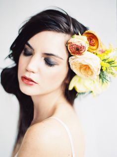 fresh floral hair accessories Photography: Erich Mcvey - erichmcvey.com, Florals by http://thegreendandelion.blogspot.com/  Read More: http://www.stylemepretty.com/2014/05/27/modern-bridal-shoot-inspiration/