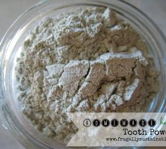 Tooth Powder recipe (and the benefits of brushing with tooth powder) by Frugally Sustainable Home Remedies, Natural Remedies, Herbal Remedies, Health Remedies, How To Make Your Own Recipe, Homemade Toothpaste, Healthy Toothpaste, Homemade Mouthwash, Natural Toothpaste