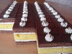 Citrónovo medové rezy, recepty, Zákusky | Tortyodmamy.sk Slovak Recipes, Czech Recipes, Baking Recipes, Cookie Recipes, Dessert Recipes, Mini Pastries, German Desserts, Delicious Desserts, Yummy Food