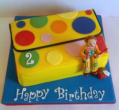 vanilla sandwich layered with whipped vanilla buttercream and decorated to look like Mr Tumble's spotty bag, with a hand sculpted fondant model of Mr Tumble. 2 Year Old Birthday Cake, First Birthday Cakes, 2nd Birthday Parties, Birthday Ideas, Picnic Birthday, Special Birthday, Happy Birthday, Cbeebies Cake, Mr Tumble