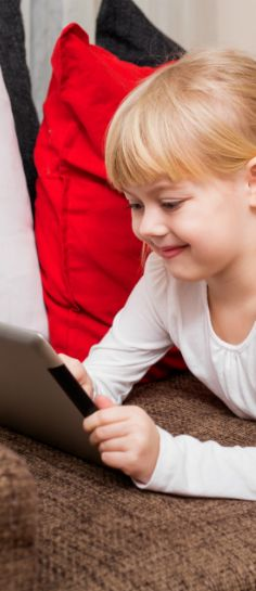 How many hours a day is your kid in front of a screen? Click for 5 simple ways to limit your child's screen time. #FreshBakedTakes