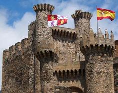 Ponferrada -Spain-  Whimsical castle in one of our favorite wine regions, Bierzo. Interesting as it is one of Spain´s few Templar castles. From July 1-4, the local town council is organizing  medieval Templar nights, very atmospheric.