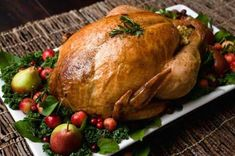 Roasted Whole Turkey with Low-Fat Bread Sauce (Dukan Diet PP Consolidation Recipe) - Eat Well and Stay Healthy Thanksgiving Turkey, Thanksgiving Recipes, Holiday Recipes, Holiday Meals, Happy Thanksgiving, Dinner Recipes, Turkey Recipes, Chicken Recipes, Healthy Chicken