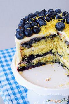 Pin on prajiturici Classic Tiramisu Recipe, Easy Tiramisu Recipe, Zuccotto Recipe, Romanian Desserts, Thanksgiving Cakes, Cake Tasting, Holiday Desserts, Caramel Apples, Dessert Table