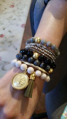 Casual beads for every day wear! Chunky Jewelry, Fine Jewelry, Jewelry Making, Beadwork, Beading, Fitness Bracelet, Birthstone Jewelry, Birthstones, Jewelry Bracelets