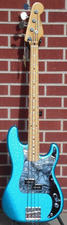 Fender Artist Series Signature Steve Harris Precision Bass... like the pickguard finish