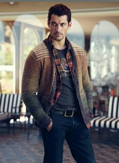 Smart Style–American label Lucky Brand once again enlists Ford model David Gandy to star in its advertising campaign. For winter David connects once again… David Gandy, Sharp Dressed Man, Well Dressed Men, Boyfriend Day, Look Fashion, Mens Fashion, Book Boyfriends, Gentleman Style, Gorgeous Men