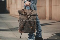 Leather Canvas Backpack (16) Waxed Canvas, Canvas Leather, Cotton Canvas, Top Backpacks, Vintage Backpacks, Leather Backpacks, Leather Backpack For Men, Leather Bags, Rucksack Bag