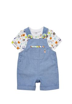 Woodland Print - I found my woodland print I did whilst at Paper & Cloth in Tesco. Love the little dungaree set! Latest Fashion For Girls, Little Fashion, Kids Fashion, Fashion Outfits, Toddler Outfits, Baby Boy Outfits, Kids Outfits, Trendy Baby Clothes, Clothes For Women