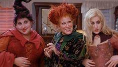 "Disney's ""Hocus Pocus"" Sequel Is a Teenage Lesbian Love Story! Halloween Movies List, Halloween Stories, 31 Days Of Halloween, Halloween 2020, Kid Movies, Scary Movies, Horror Movies, Movies And Tv Shows, Hocus Pocus Sequel"