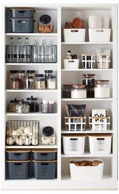 inexpensive kitchen pantry organization ideas for tiny house or your home decor apartmentbalconydecorating Kitchen Organization Pantry, Home Organisation, Diy Kitchen Storage, Kitchen Pantry, Kitchen Decor, Kitchen Ideas, Organized Pantry, Pantry Storage, Pantry Shelving