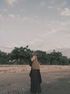 Modest Fashion Hijab, Casual Hijab Outfit, Ootd Hijab, Girl Hijab, Muslim Fashion, Skirt Fashion, Muslim Girls, Muslim Women, Beautiful Hijab