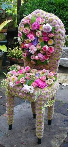 .Gorgeous chair. What a beautiful idea with the roses!