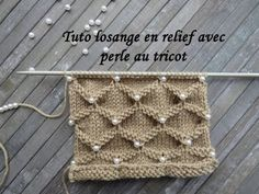 Tuto Losange in Relief with Tranches in Tricot is on a number of maille divisible par 10 + 11 + 2 Poncho Knitting Patterns, Knitting Stiches, Lace Knitting, Knitting Designs, Crochet Stitches, Crochet Baby Hats, Crochet Beanie, Knit Crochet, Stitch Patterns