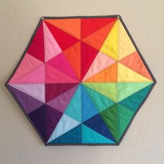 EPP Triangle Medallion I don't know what EPP stands for, Paper Piecing? This is very nice. Rainbow Quilt, Rainbow Paper, Paper Piecing Patterns, Quilt Block Patterns, Quilt Blocks, Small Quilts, Mini Quilts, Scrappy Quilts, Quilting Projects