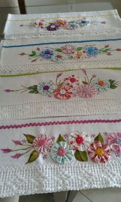 3 Spa Lavender spa pads, wrist pads SPA bond pads mini decor, hand embroidery, decor home decor, roo Silk Ribbon Embroidery, Embroidery Stitches, Embroidery Patterns, Hand Embroidery, Hand Quilting Designs, Quilting Projects, Sewing Projects, Patchwork Patterns, Quilt Patterns