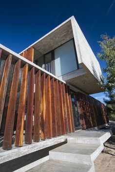 MR house by Luciano Kruk Arquitectos http://www.livegreenblog.com/materials/mr-house-by-luciano-kruk-arquitectos-10450/
