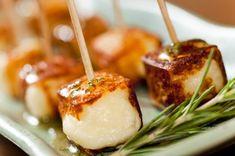 queijo-coalho-com-mel-e-alecrim No Salt Recipes, Chef Recipes, Appetizer Recipes, Cooking Recipes, Appetizers, Antipasto, Chefs, Party Finger Foods, Party Food And Drinks