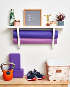 3 Brilliant Organizing Hacks for Working Out in Your Small Space - Gym in Livin. 3 Brilliant Organizing Hacks for Working Out in Your Small Space - Gym in Living Room Storage Ideas Workout Room Home, Gym Room At Home, Home Gym Decor, Workout Rooms, Workout Room Decor, Yoga Room Decor, Apartment Workout, House Workout, Exercise Rooms