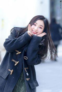 Gahyeon////AAAAAAAAAAAAHHHHHH LOOK AT THIS LIL BABY