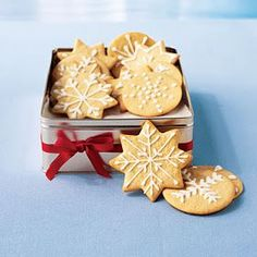 Christmas Sugar Wafers with Vanilla Icing - 10 Timeless Holiday Cookies - Cooking Light Healthy Christmas Recipes, Holiday Cookie Recipes, Cookie Desserts, Holiday Cookies, Holiday Baking, Christmas Baking, Dessert Recipes, Snowflake Cookies, Italian Christmas