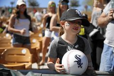 Spring training lets baseball fans have a ball in Arizona