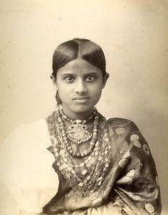 kandyan woman/sri lanka