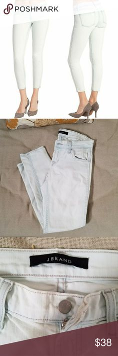 J Brand Nirvana Mint Skinny Jeans Good preowned condition.   *stock pic and actual garment have varying colors.  Size 26. J Brand Jeans Skinny