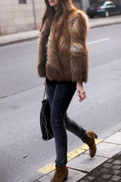 Take a look at 35 fur coat outfits to copy this winter in the photos below and get ideas for your own cold weather looks! Faux Fur Coat Outfits: Sendi Skopljak is wearing a popularity faux fur coat from Chicy… Continue Reading → Looks Street Style, Looks Style, Fur Fashion, Look Fashion, Womens Fashion, Bohemian Fashion, Fashion Editor, Latest Fashion, Fashion Dresses