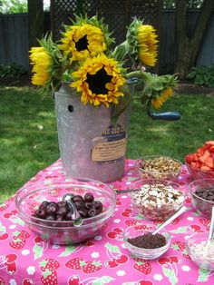 That picture is full of fabulous! Not vegan but I love the idea of sunflowers in that old ice cream maker! My next thrift shop look out item! Party Themes, Theme Parties, Party Ideas, Vegan Ice Cream, Vintage Carnival, Romantic Flowers, Ice Cream Maker, Best Dining, Rehearsal Dinners