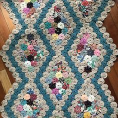 Quilting Projects, Crochet Projects, Sewing Projects, Crazy Quilting, Bed Quilt Patterns, Yo Yo Quilt, History Of Quilting, Hand Embroidery Videos, Embroidered Quilts
