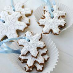Snowflake biscuits #imdreamingof @Radley London