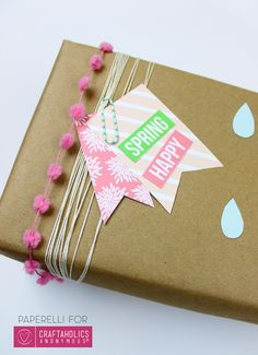 Printable Spring Gift Tags || Love the green and pink!