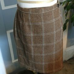 """Tan and brown J Crew mini skirt Tan and taupe - ish mini skirt is 17"""" from waist to hem. 2 button closure. Little hints of cream worn into fabric. J. Crew Skirts Mini"""