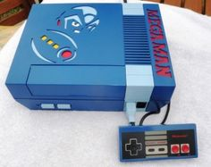 Mega Man NES case with matching controller! Sweeeet!