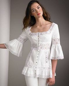 Beautiful portrait neckline and lace detailed blouse Blouse And Skirt, Blouse Dress, Lace Dress, Boho Fashion, Fashion Dresses, Womens Fashion, Blouse Styles, Blouse Designs, White Outfits