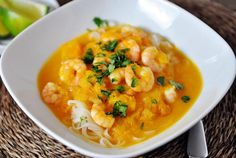 This butternut squash and coconut curry soup with shrimp and rice noodles is beyond easy to throw together and completely delicious. Rice Noodle Recipes, Soup Recipes, Dinner Recipes, Cooking Recipes, Healthy Recipes, Easy Recipes, Dinner Ideas, Gf Recipes, Curry Recipes