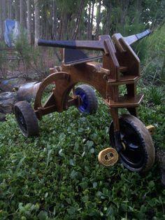 sepeda anak yang terbuat dari kayu